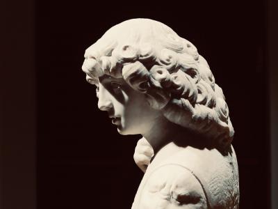 "Tullio Lombardo e bottega (Venezia? 1455 circa – Venezia 1532), ""San Giorgio (?)"" (particolare). Marmo, cm 87,6x53,4x35,6. New York, The Metropolitan Museum of Art. Friedsam Collection, Bequest of Michael Friedsam, n. 1931 (32.100.155)."