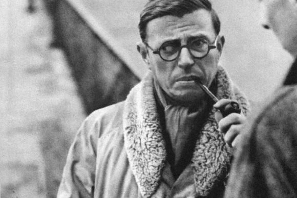 Frieze Masters, le sneakers e il giubbotto di Sartre